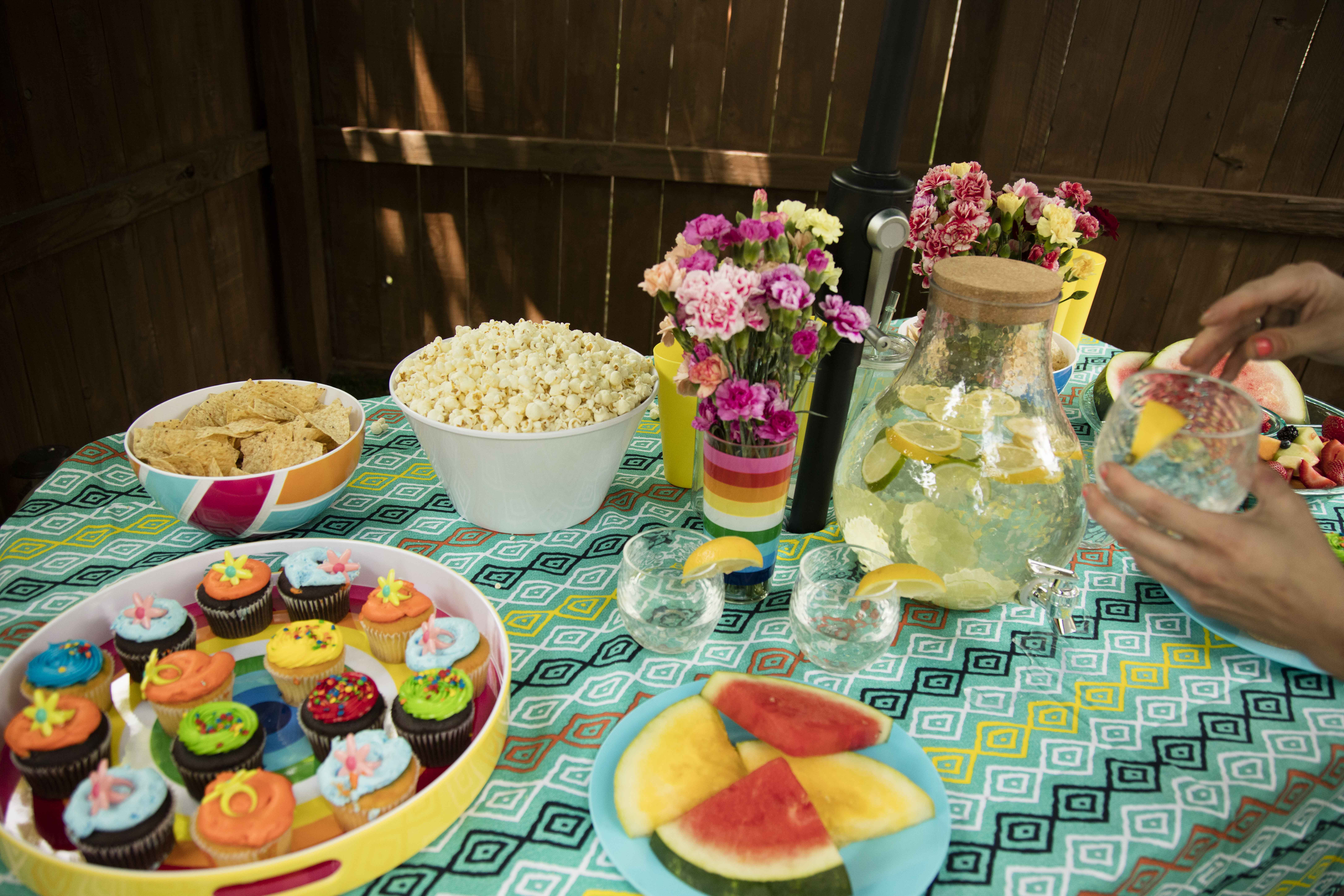 Picnic in your backyard