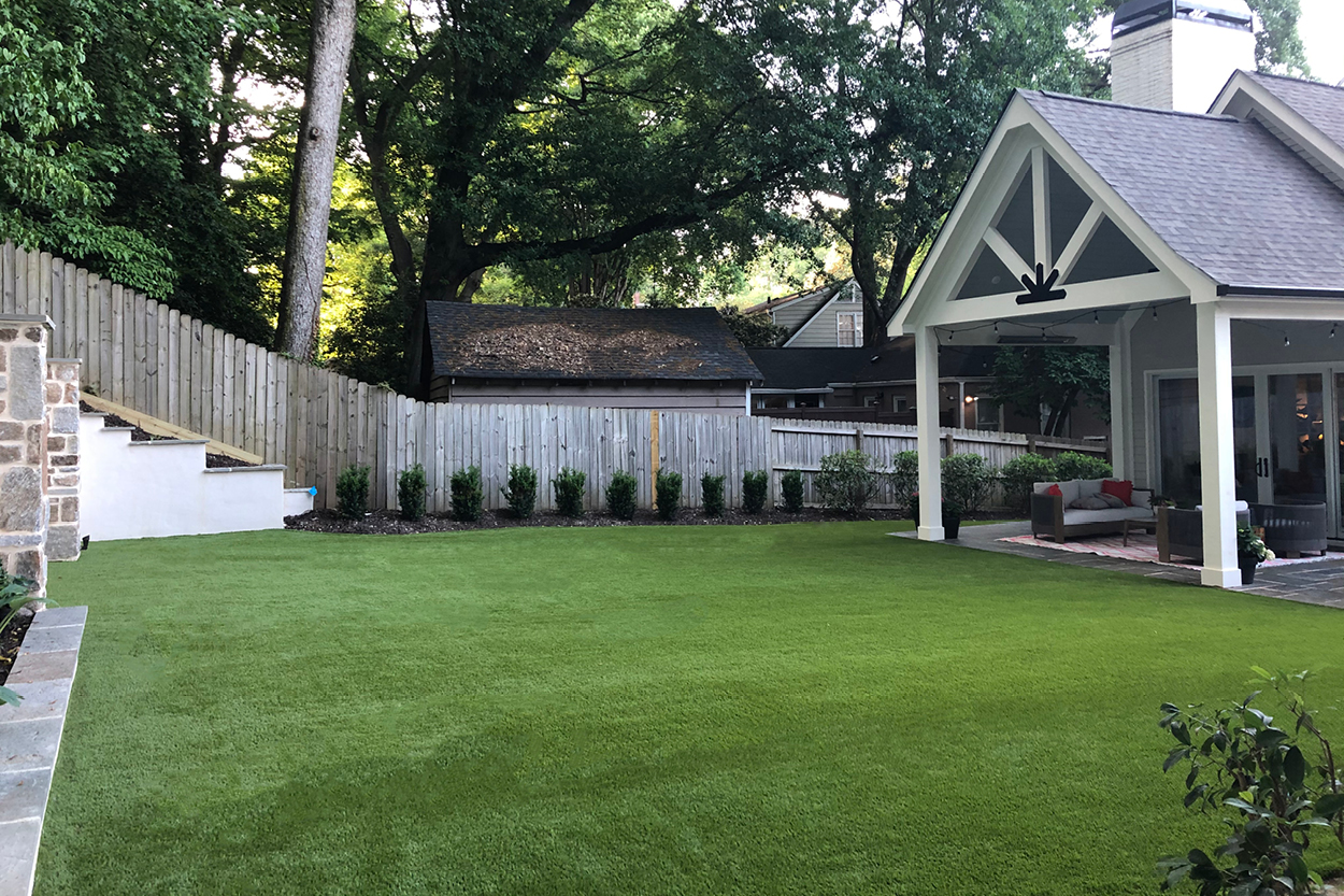 Discover Your Ideal Backyard With Safeshell, the 100% Natural Artificial Turf Infill