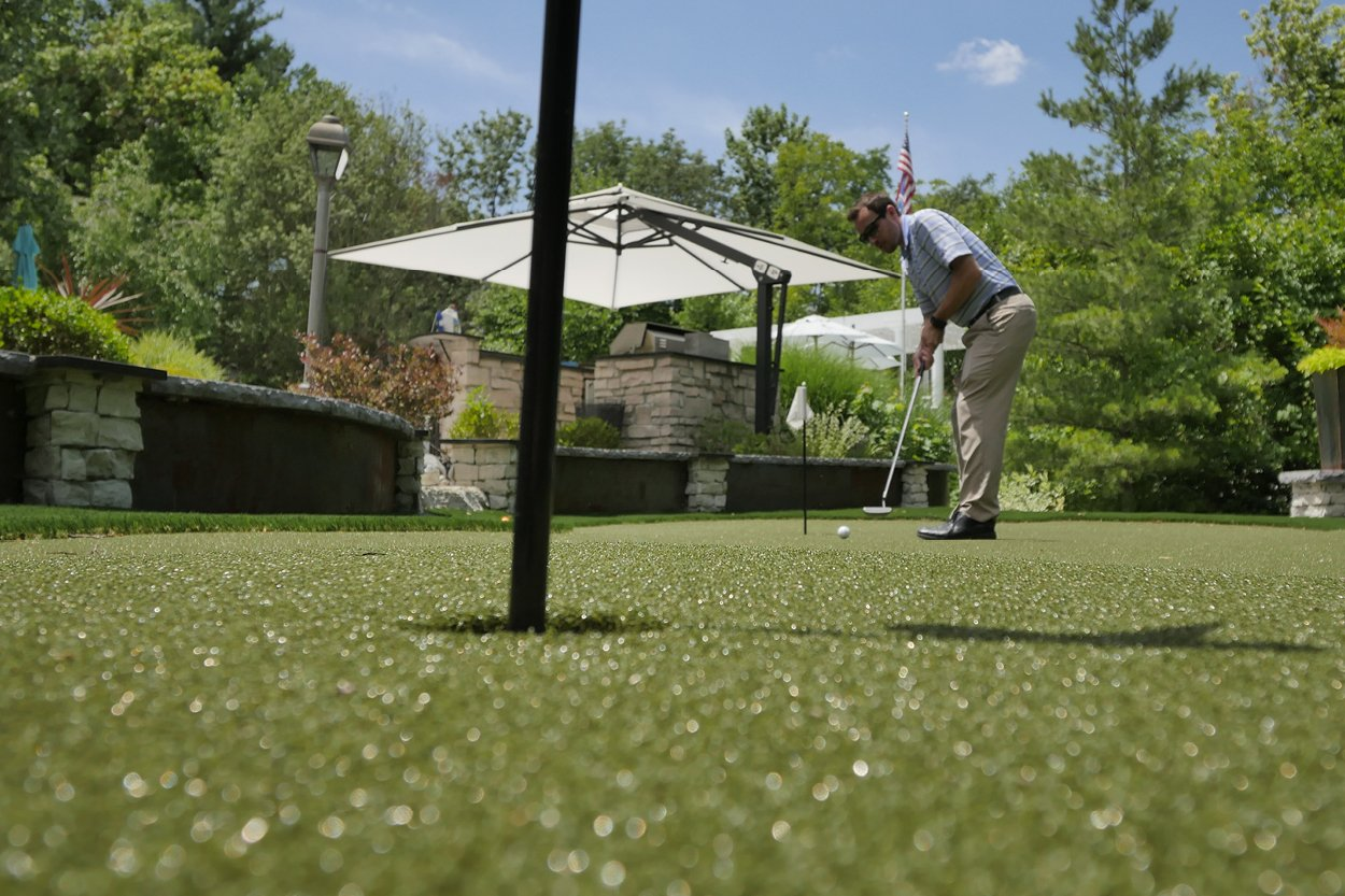 The Best Artificial Grass for Putting Greens